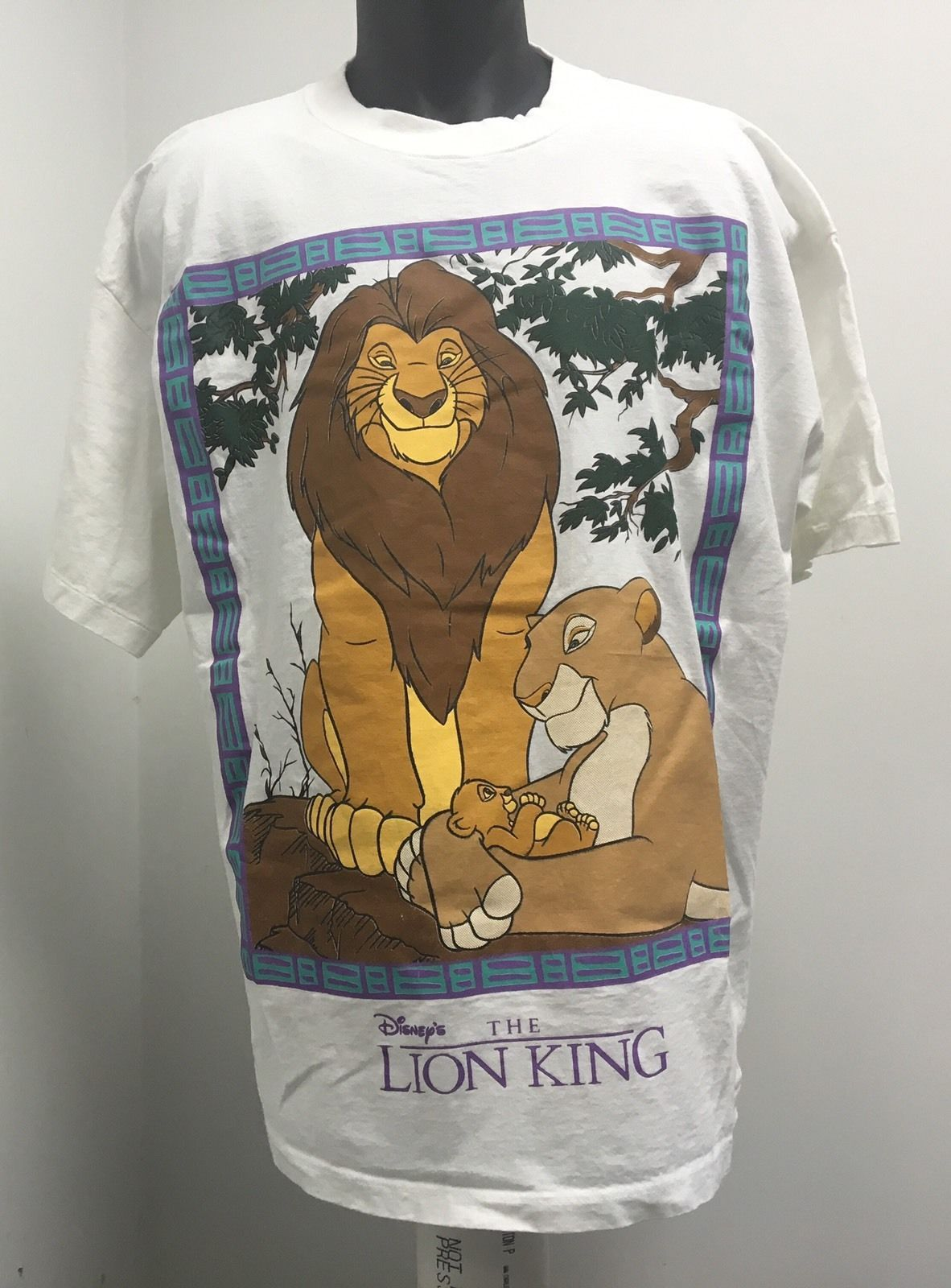 05ca53a0 VINTAGE DISNEY The LION KING SHIRT 90s SIMBA RARE WHITE Logo Scar in  Clothing, Shoes & Accessories, Men's Clothing, T-Shirts | eBay