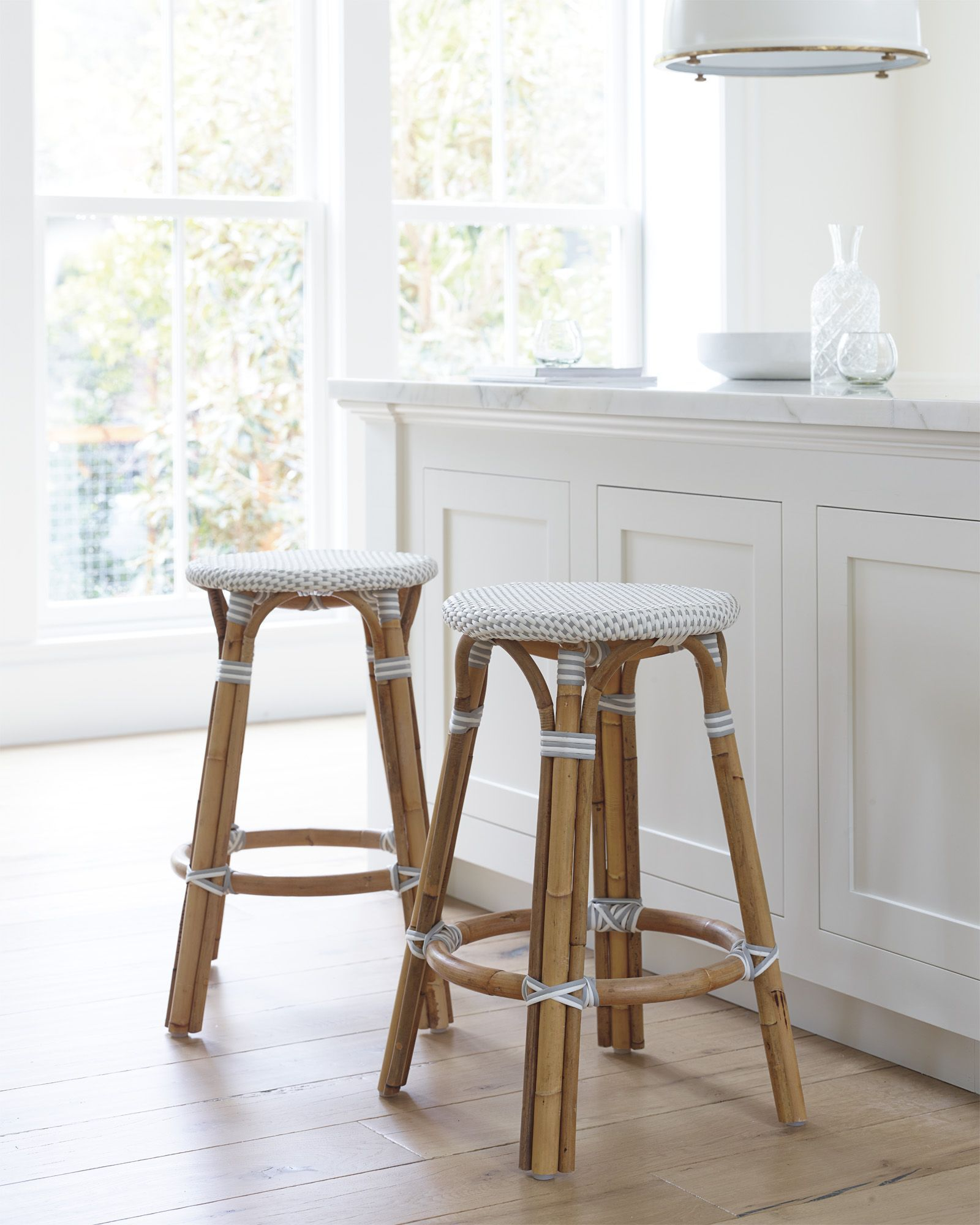 Get Inspired By These Kitchen Counters And Kitchen Stools And Add Some Of These Designs To Your Own Ho Counter Stools Backless Counter Stools White Bar Stools Designer kitchen counter stools
