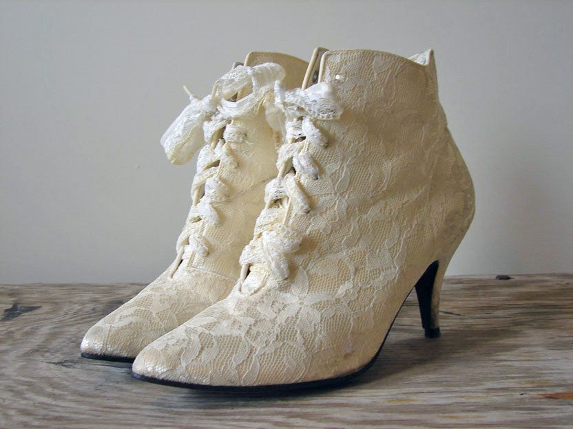 Heels - Vintage Victorian Gothic Granny Ivory White Wedding Lace Up Boots  Shoes Size 8 - Mine were all leather tho.