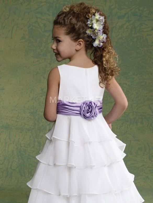 181b32b38b81 Krásné šaty pre malú družičku
