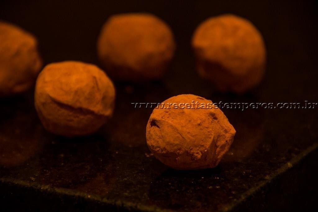 Trufa de Chocolate Amargo   Receitas e Temperos