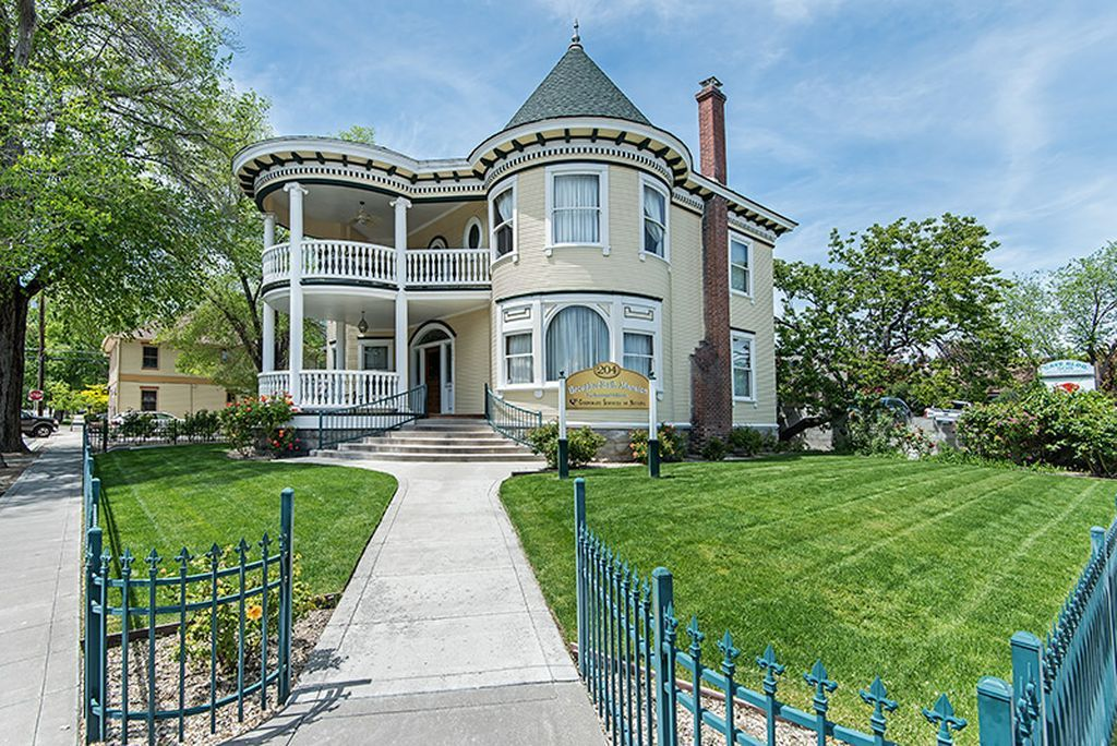 204 W Spear St Carson City Nv 89703 Mls 160011952 Zillow Carson City Mansions Carson