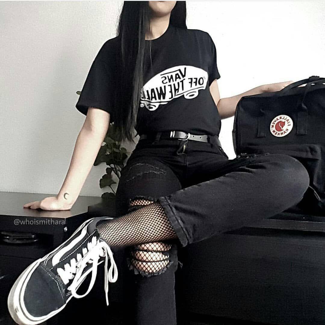 1 Or 2 Whoismithara Grunge Palegrunge Softgrunge Darkgrunge Girl Tumblrgirl Grungegirl Tumblr Black Outfit Outfit Ideen Outfit Inspirationen