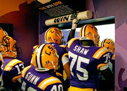 Banner Over Win Bar In Tunnel At Tiger Stadium Lsu Football Lsu Tigers Football Lsu