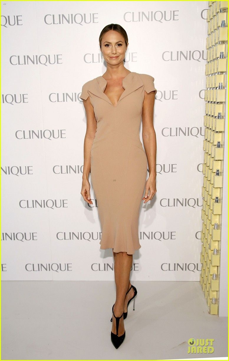 Stacy Keibler kept it classy while attending the Dramatically Different Party held at 620 Loft & Garden yesterday in NYC