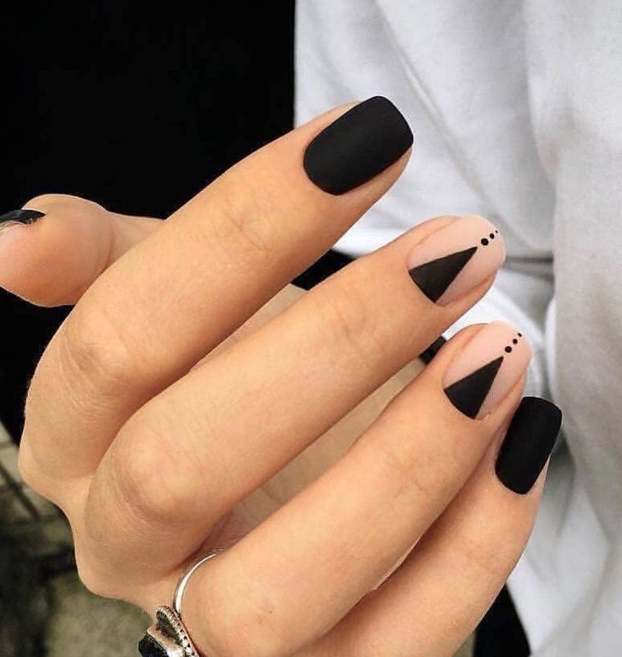 Pin By Camila On Unas Gel Nails Matte Nails Design Black Nail Designs