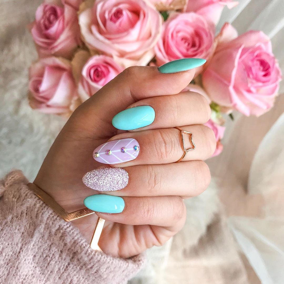 Pastel Mint Pink Nails With Glitter Hybrid Nails Paznokcie