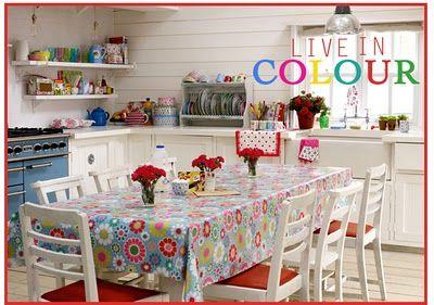 White Cat Vintage Cath Kidston Styled Kitchen Cuisines Colorées Couleurs Maison Cuisines De Rêve