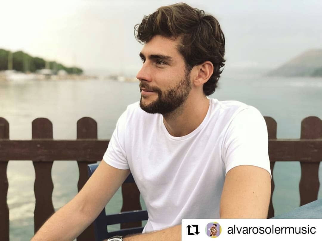 Repost Alvarosolermusic The Ever Changing Landscape Of The Sea Is Probably The Most Relaxing Thing To Be Around Mardecolores Alvarosoler álvaro Soler