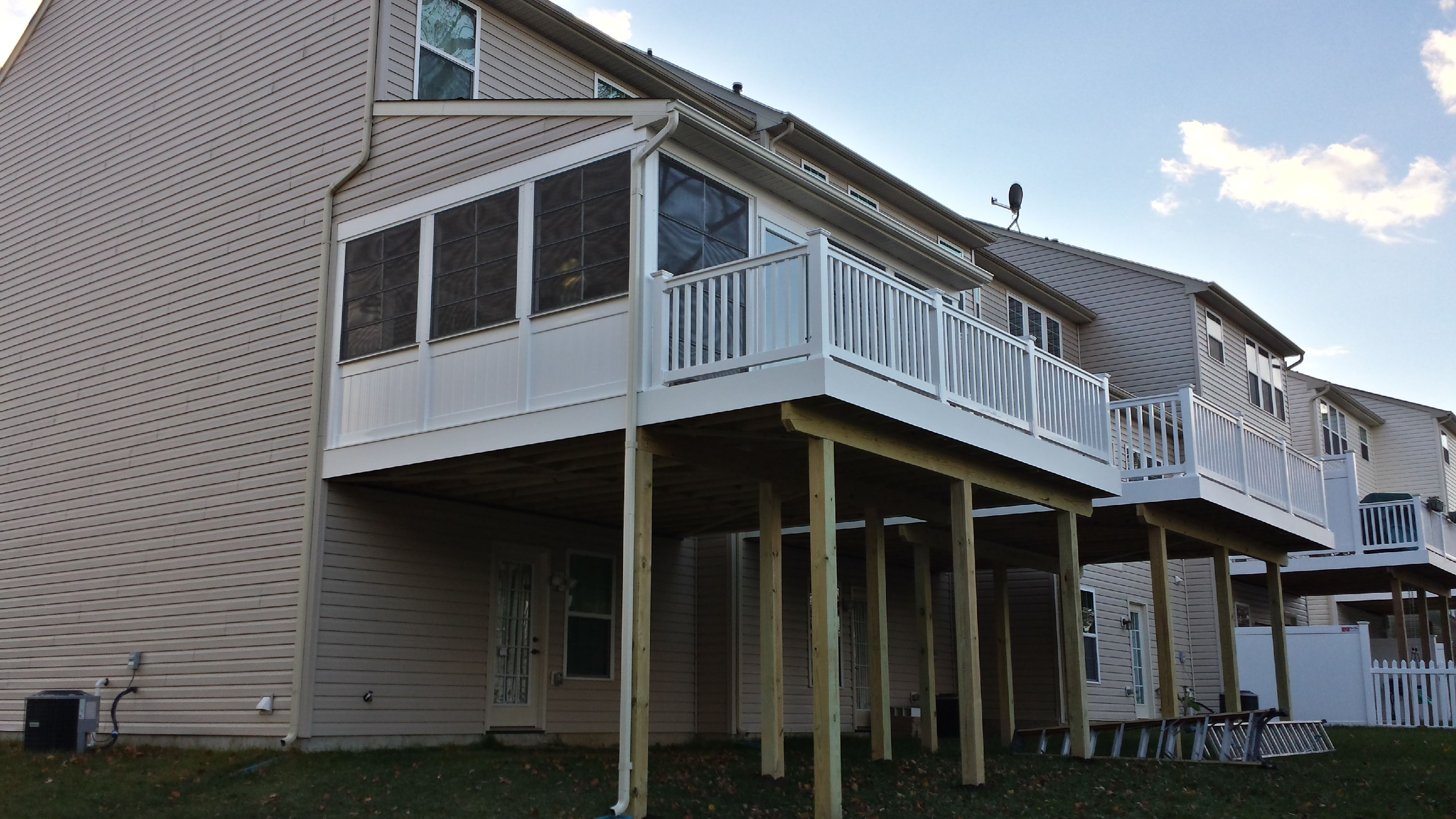 Townhouse Screen Porch With Ez Breeze Windows Hnh Deck