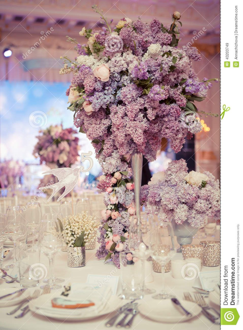 festive table decoration lilac colours wedding decorations. Black Bedroom Furniture Sets. Home Design Ideas
