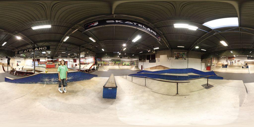 98ce336bcd3 Skateland indoor skatepark @ Rotterdam   Interior Skatepark   Skate ...
