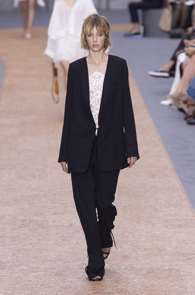 Chloé at Paris Fashion Week Spring 2016 - Livingly