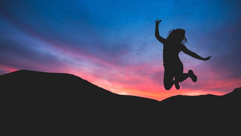 30 Frases de alegría y felicidad cortas para facebook