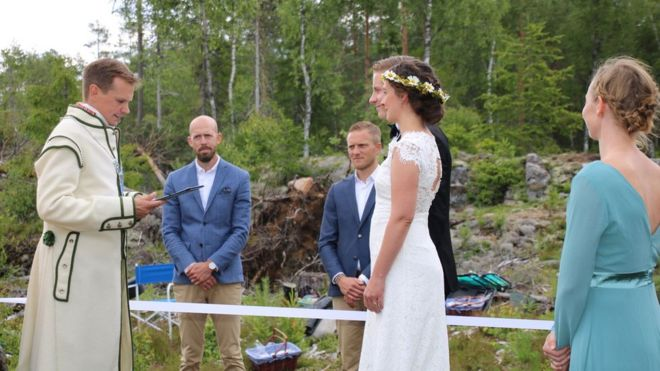 Nordic couple gets married in border ceremony in 2020