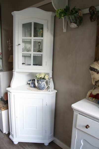 Hoekkast | Ideeën woonkamer | Pinterest | Chalk paint furniture ...
