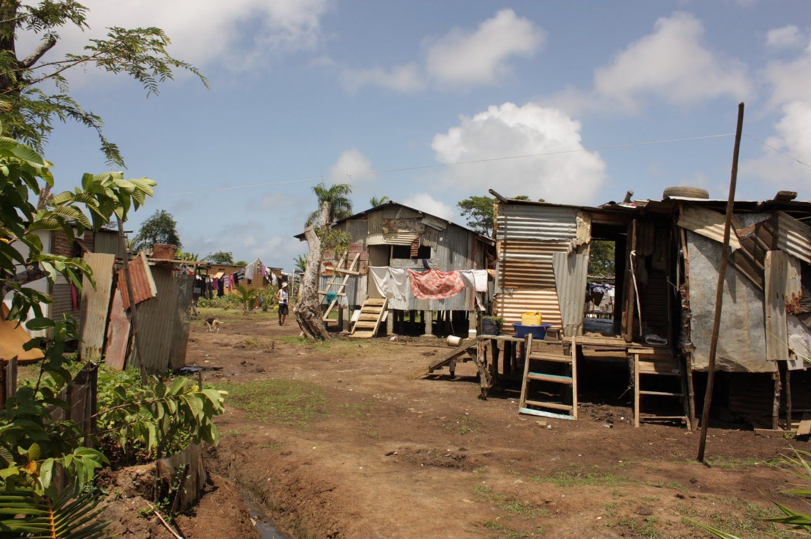 More Than 250 000 People In The Fiji Islands Live In Poverty And Many More Live On Or Just Above The Poverty Line With A Population D Fiji Islands Fiji Island