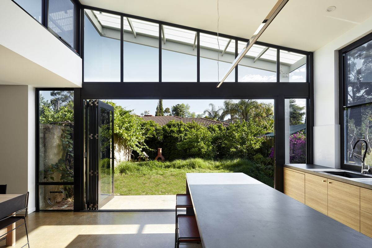 A modern light filled extension to the rear of a heritage home in