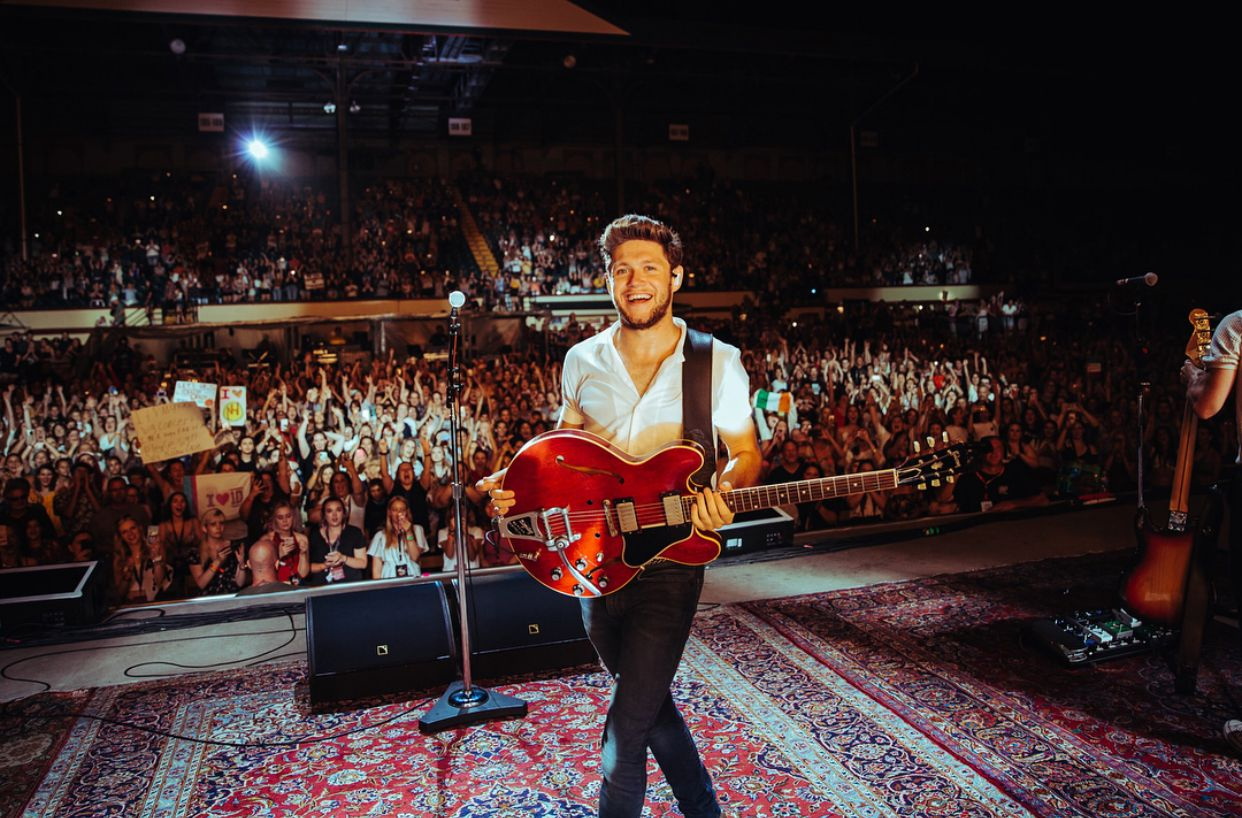 Pin By Jaceylowrey On Niall Horan X One Direction Photos James Horan Niall Horan