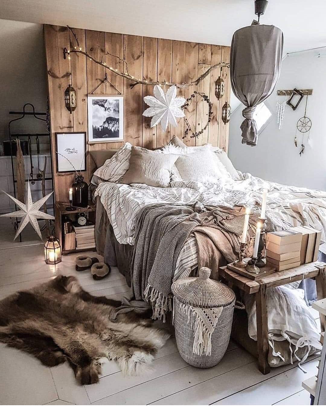What S Hot On Pinterest Vintage Bedroom Ideas For Your New Home Yatak Odasi Tadilat Yatak Odasi Ic Mekan Bohem Yatak Odasi Dekor