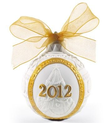 LLADRO - 2012 CHRISTMAS BALL (RE-DECO)  Available at Houston Jewelry  www.houstonjewelry.com