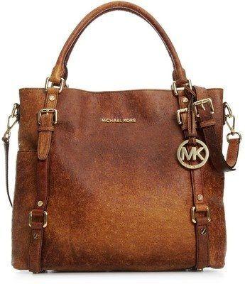 Michael Kors bag perfect for fall
