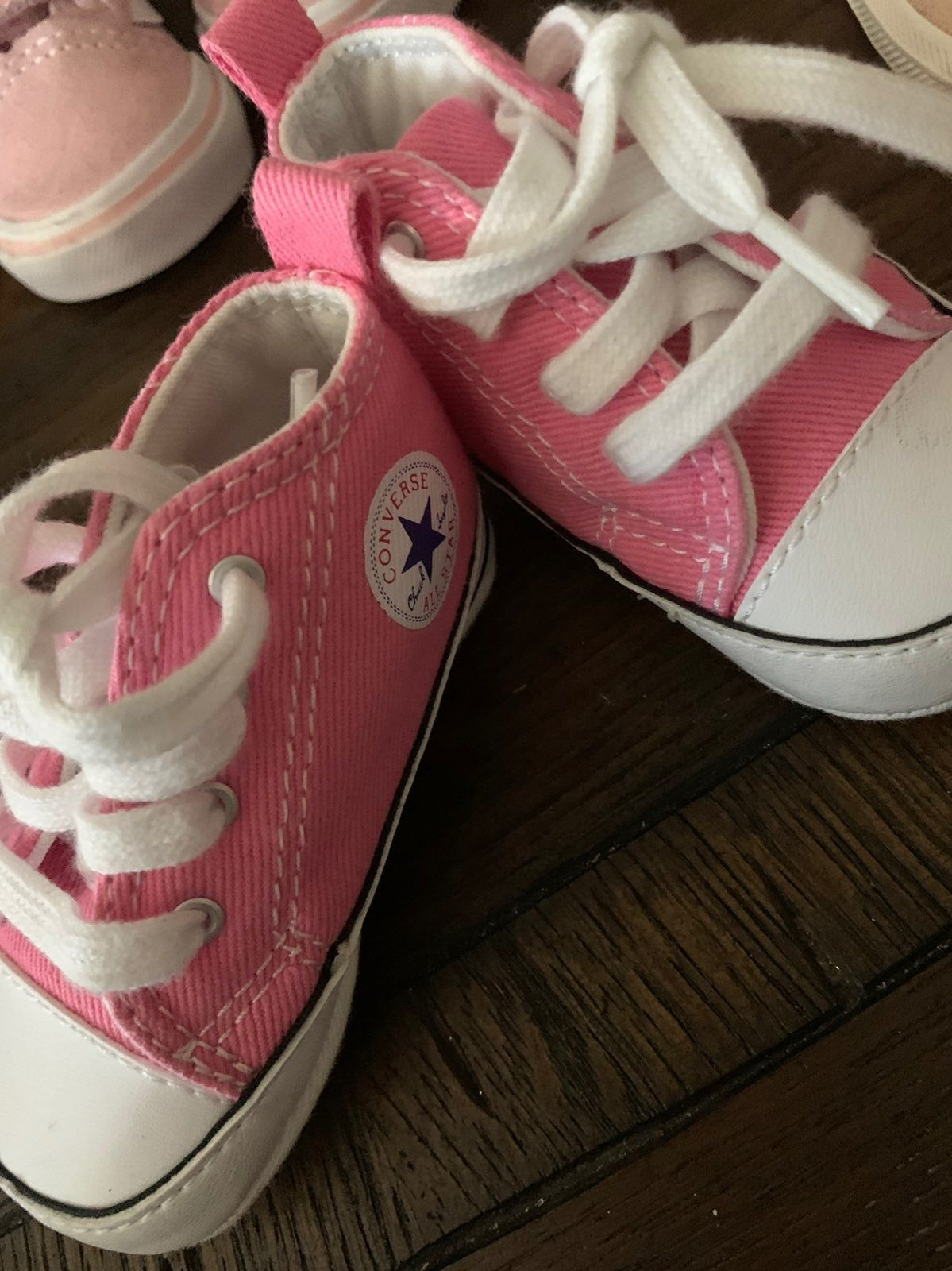 Pink soft bottom converse barely worn