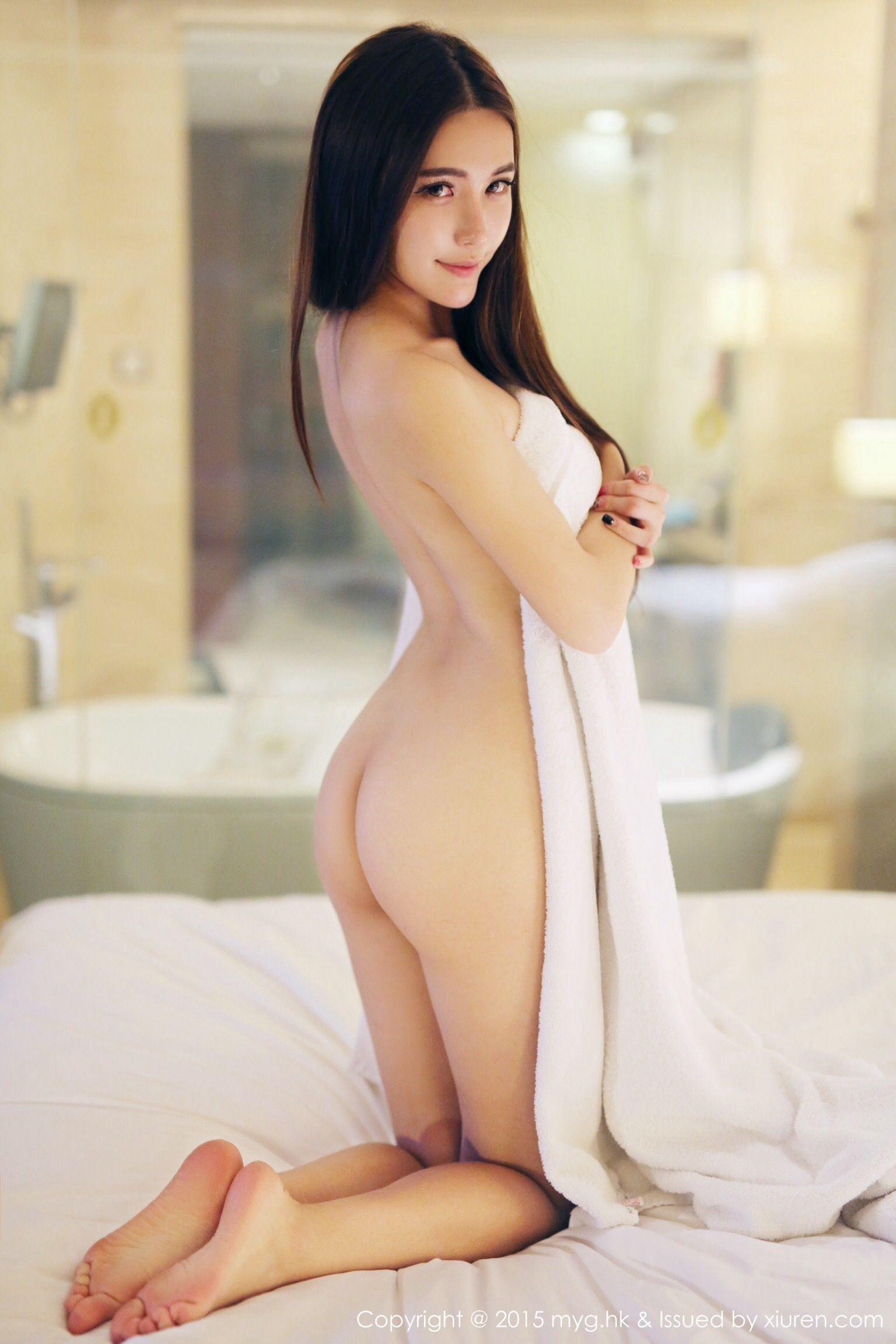 naked tumbler body of girl