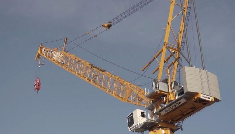 Liebherr - 710 HC-L Luffing Jib Tower Crane (Video)   ELT