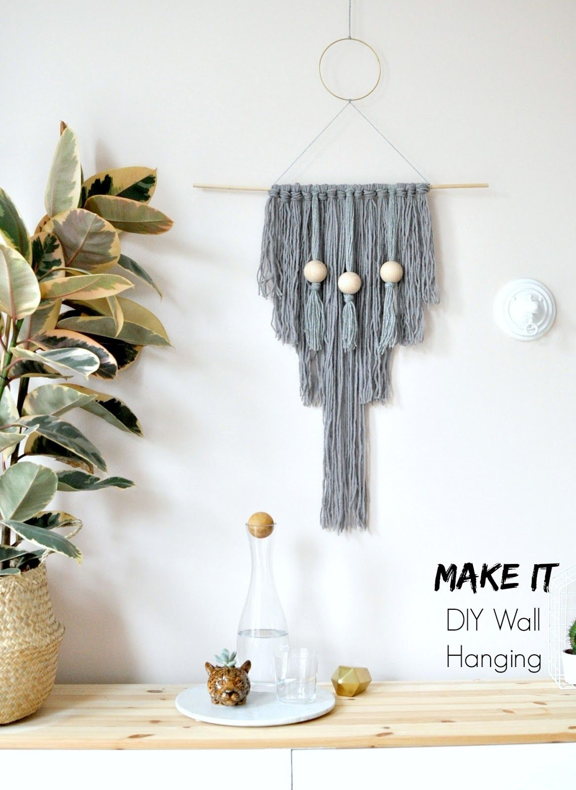 How to make your own easy diy yarn wall hanging craft how to make your own easy diy yarn wall hanging amipublicfo Choice Image
