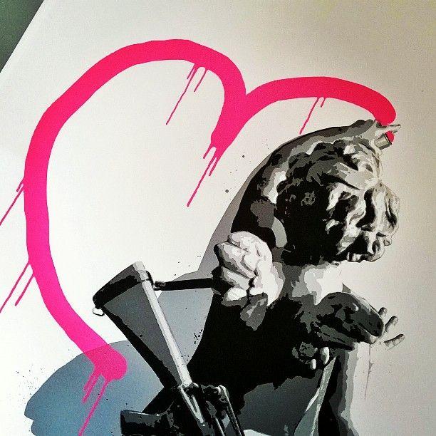 Close up #graffiti #gold #heart #streetart #cherub  #ownart #silkscreen #signed #limitededition #pink #neon #sparkly #glitter