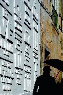 Wand mit verschiedenen Ebenen