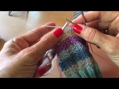 Photo of Socken stricken im Sommer? Ja klar! Socken stricken macht immer Spaß und es ent…