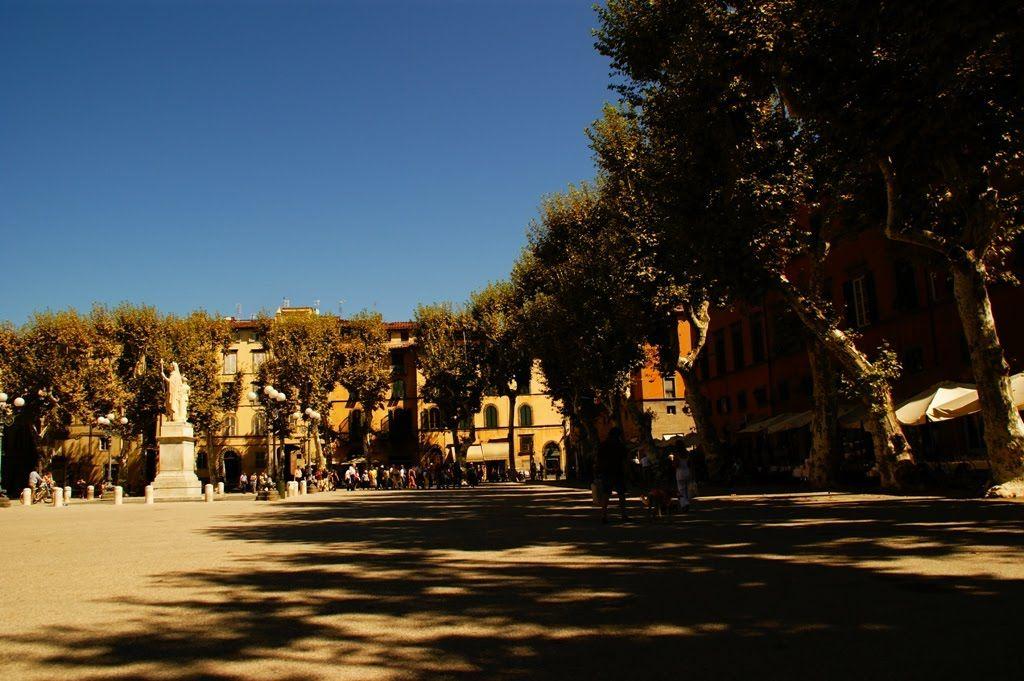 Lucca, Piazza Napoleone
