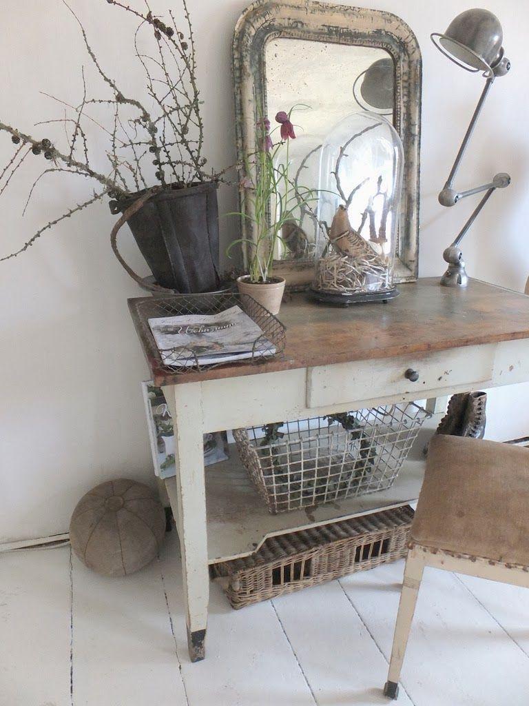 wohnzimmer im shabbychic einrichten alte weisse m bel antike m bel aus frankreich nordic. Black Bedroom Furniture Sets. Home Design Ideas