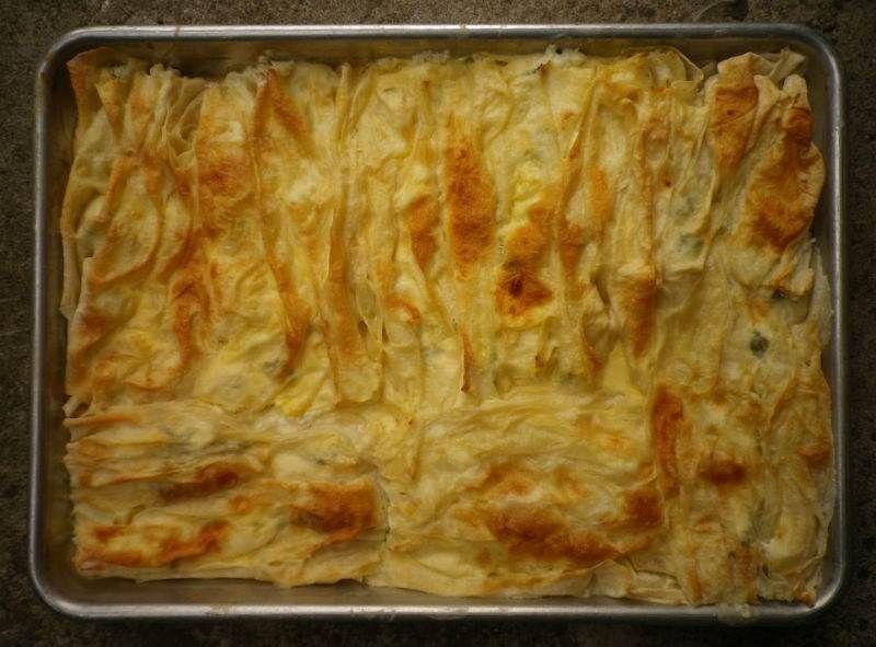 Kırma böreği veya kaymaklı börek olarak da bilinen ...