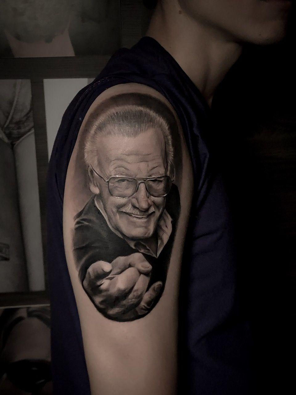 @lovetattooec @inkmens #guayaquiltattoo #tattoowork #tattooguayaquil #tattooecuador #arte #tattooart #sombras #realistictattoo #tattoostyle #lovetattoo #guayaquil #anclatattoo #realismotattoo #tatouage #blackandgreytattoo #art #inkedup #tattoo #tattoos #ink #inked #tatuaje #inktober #realistictattoo #tatuagem #tatuaggios #realistic #realism #retrato # tattoed #bodyart