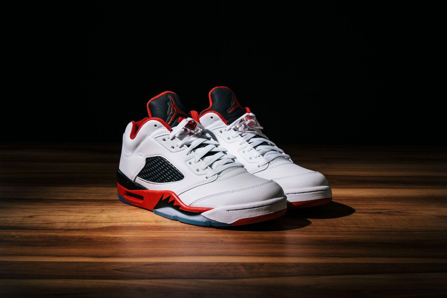hot sale online a745f 0728f Air Jordan 5 Gs Fuego Bajos Rojos 800 falsa separación precios de venta  Amazon precio barato