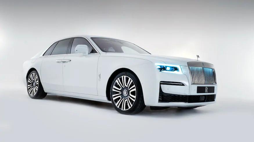 All New 2021 Rolls Royce Ghost Gets More Tech Less Ostentatious Design Rolls Royce Rolls Royce Models Luxury Cars Rolls Royce