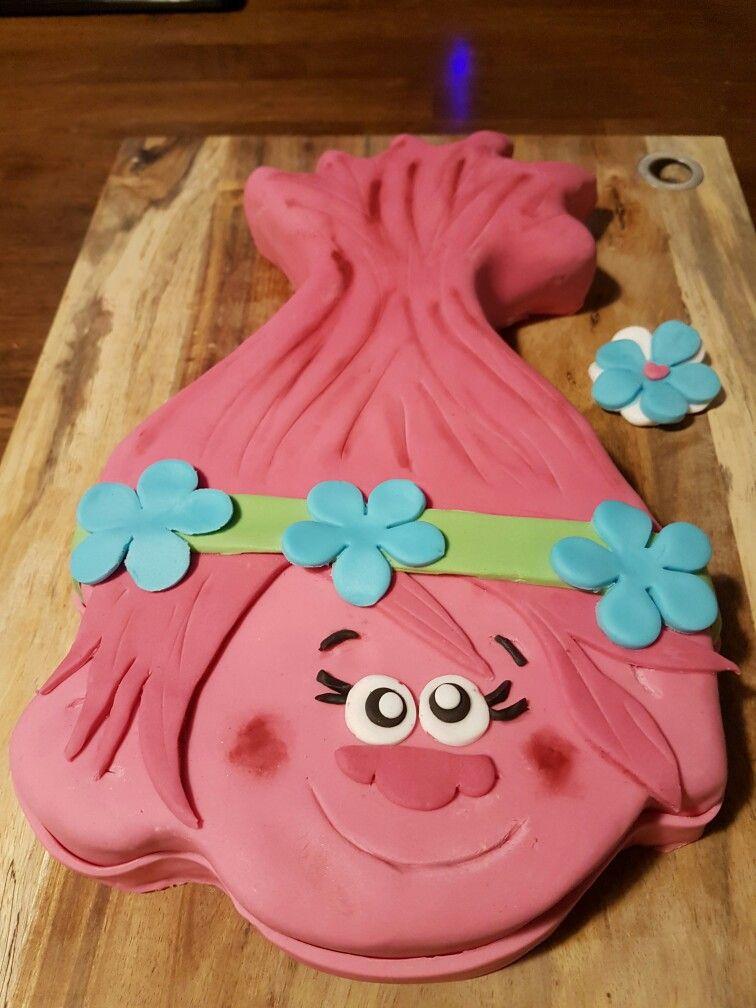 Troll poppy cake torte pinterest trolle kuchen und for Pinterest kuchen