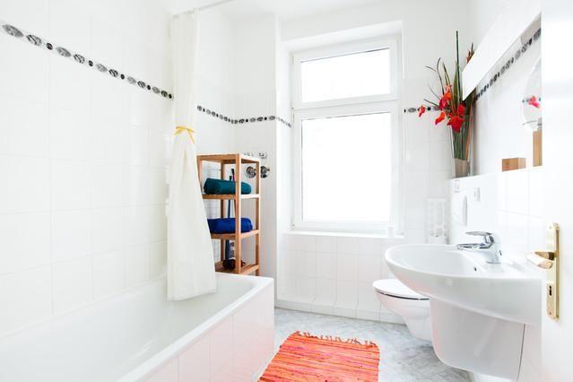 Badezimmer-Inspiration vom Feinsten Helle Fliesen für Boden und - fliesen bad wei