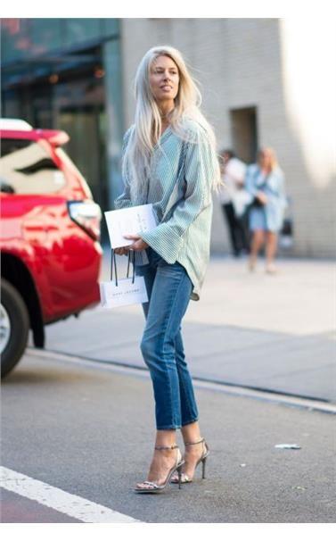 Πολύ φαρδύ, πολύ στενό, boyfriend ή με ψηλή μέση. Με γόβες ή με flat. Αυτά είναι τα τζιν όπως τα είδαμε στο street style των εβδομάδων μόδας.