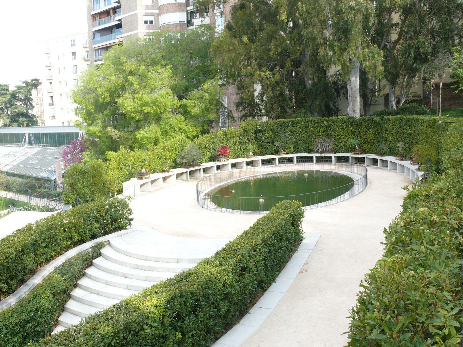 Terraza Alta O De Los Laureles Real Jardin Botanico De Madrid Real Jardin Botanico Jardin Botanico Botanica