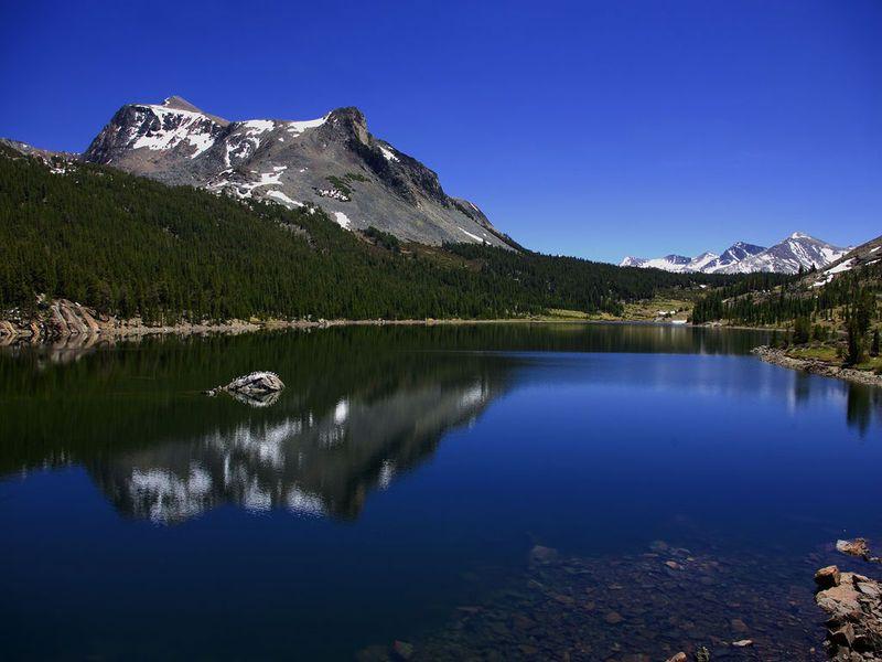 Screensavers For Windows 7 Lakes Free Screensaver Full Windows 7 Screenshot Windows 7 Download Beautiful Mountains Scenery Beautiful Lakes