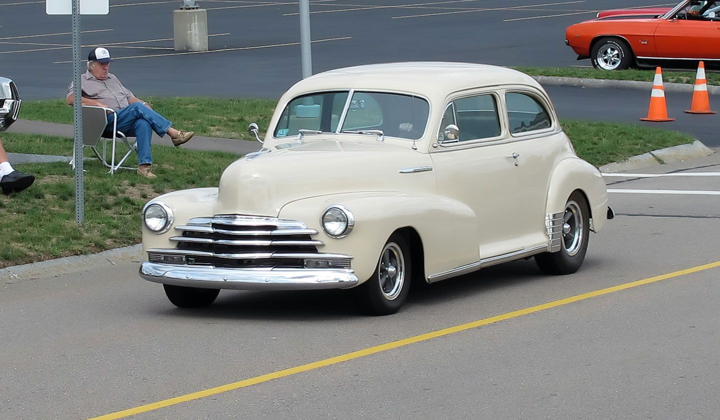 1947 Chevy 2dr