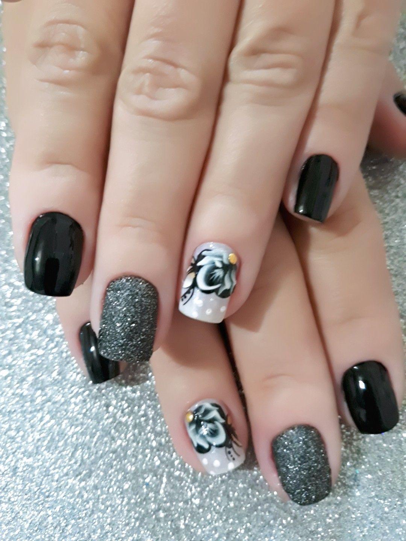 Pin de Louann Martin em Amazing Nails | Desenho unha