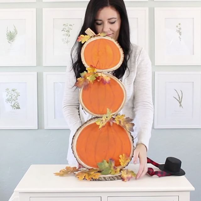 Reversible Wood Slice Pumpkins and Snowman - The C