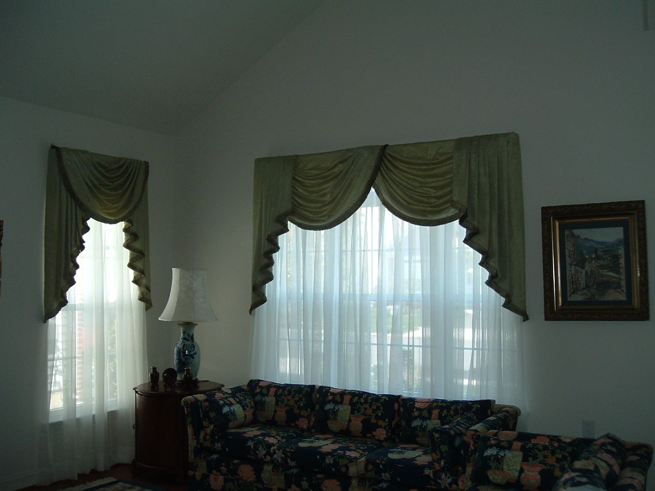Jabots On The Left And Cascades On The Right With Swags Window Treatments Pinterest Window