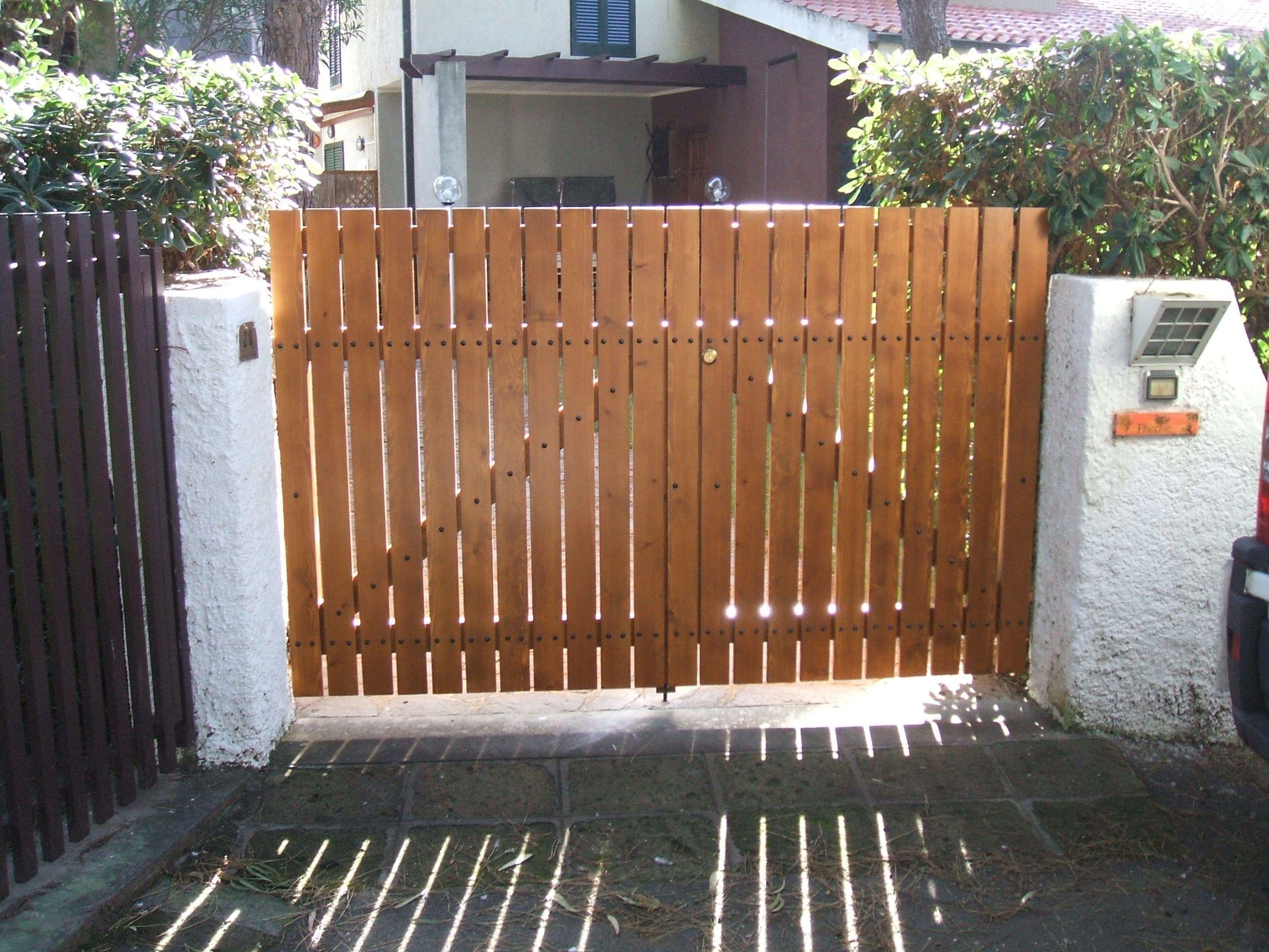 cancello in legno di pino cancelli in legno nel 2019