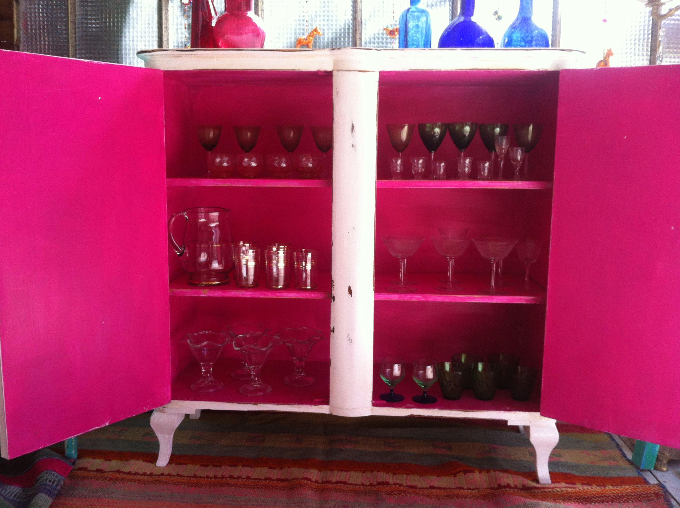 Vajillero Frances Blanco Interior Fucsia Muebles Vintouch De  # Muebles Color Fucsia